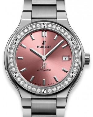 Hublot Classic Fusion Titanium Pink Bracelet 568.NX.891P.NX.1204 Pink Index Diamond Bezel Titanium 38mm - BRAND NEW
